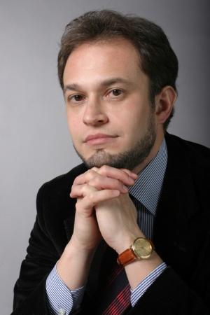 Ткачев очень заинтересован в том, чтобы стабилизировать свои позиции в регионе